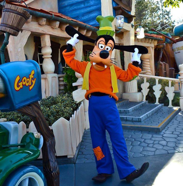 Happy Birthday Goofy Inside The Mouse House